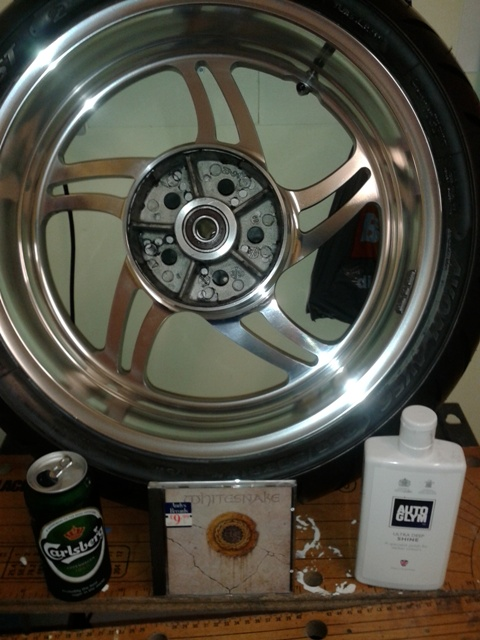 how to clean brake dust off aluminum wheels